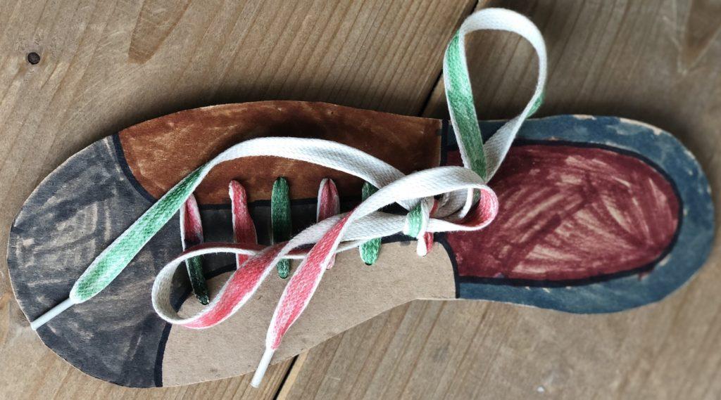 Kartonnen schoen